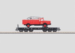 Marklin, HO Scale FLAT CAR W/FIRE TRUCK DB (EX)